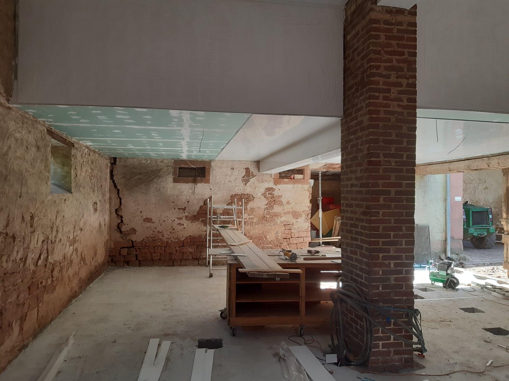 Einrichtung eines Käserei auf dem Klostergut Hahnerhof (Quelle: Klostergut Hahnerhof)