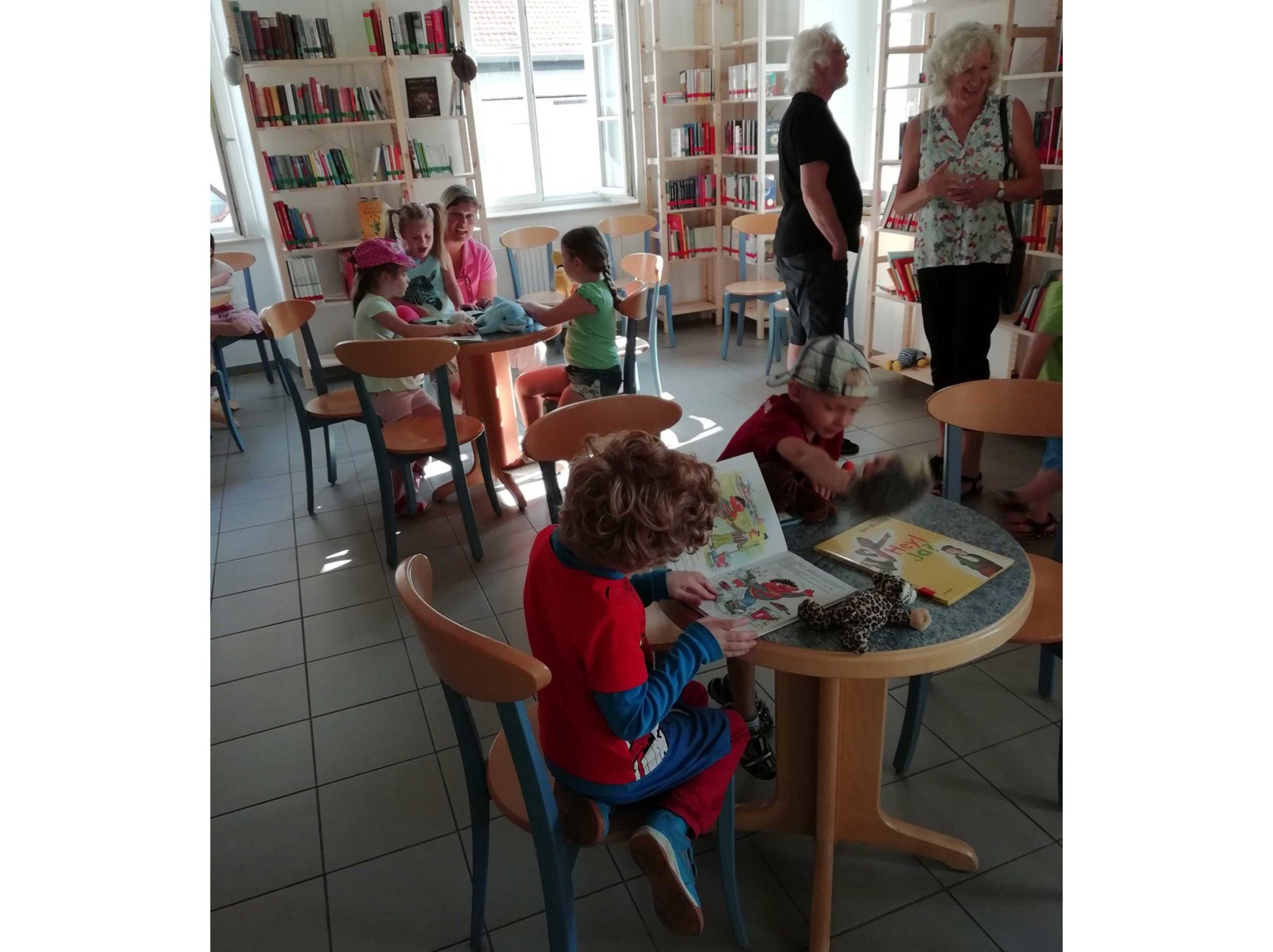 Einrichtung einer Kinder- und Jugendbücherei in Marnheim